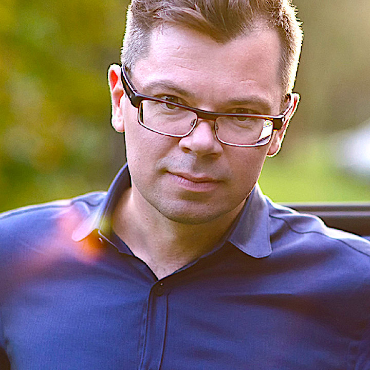 TOMAS MISIUKONIS