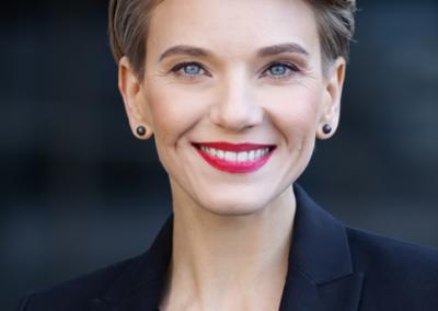 """GINTARĖ VARNELĖ    """"TMD partners"""" vadovavimo ir personalo srities konsultantė, akredituota ICF vadovų ugdymo ekspertė."""